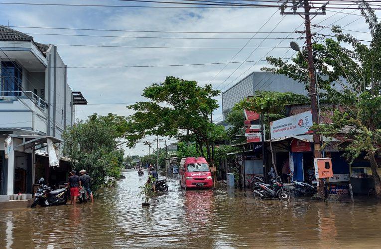 900 Mahasiswa Unissula Terdampak Banjir Semarang