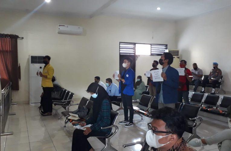 Aksi Solidaritas Pembebasan 4 Mahasiswa Pejuang Omnibuslaw